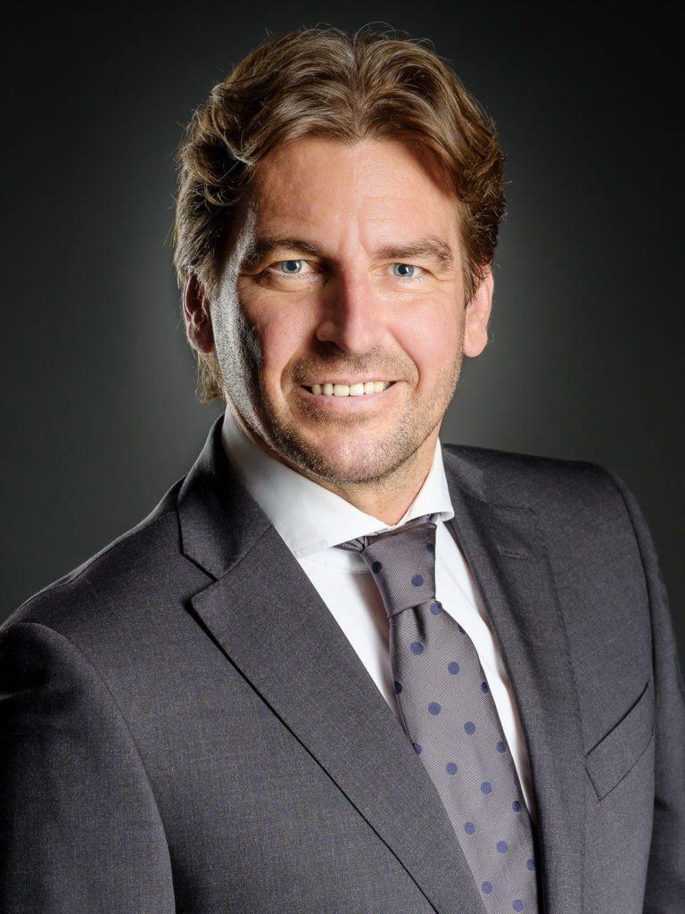 Businessportrait-Tipps, Mitarbeiter Foto, Headshot, Thomas MAGYAR | Fotodesign